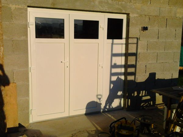 Porte de garage PVC - APRES