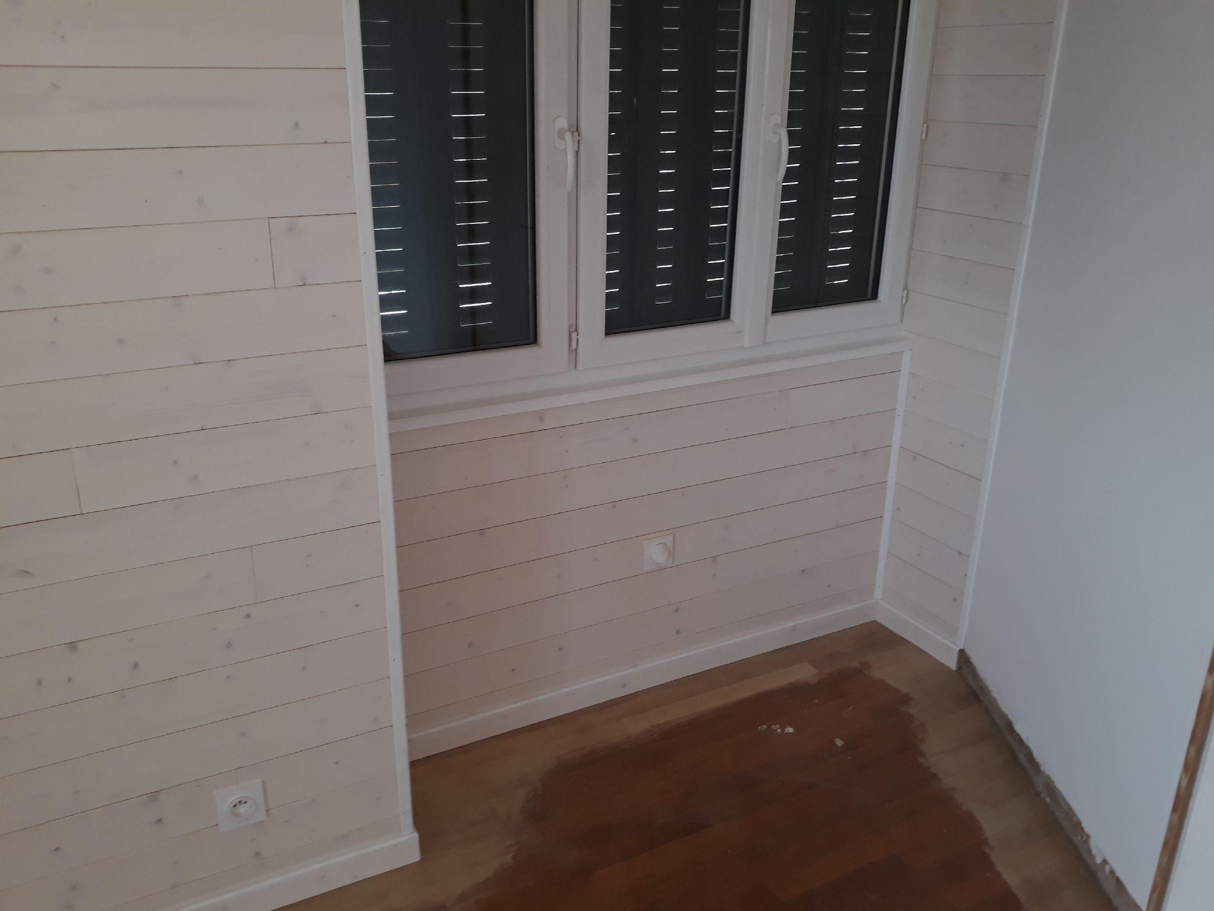 RÉNOVATION - CHAMBRE - Lambris Bois blanc aspect lisse (+ isolation murs)